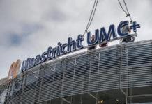 Op zaterdag 17 juni werd het logo van het Maastricht UMC+ bevestigd boven de hoofdingang van het hoofdgebouw.