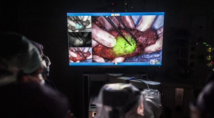 Tumorcellen lichten groen op op de OK in het Catharina Ziekenhuis