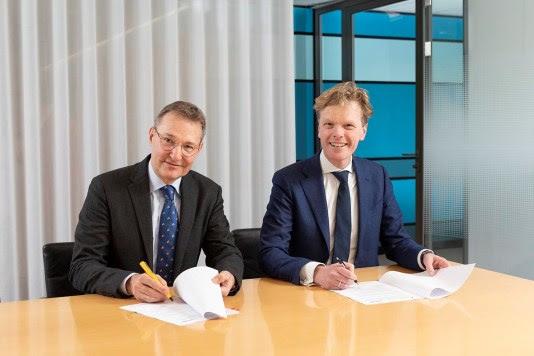 Medisch directeur dr. Karel Rondaij van HagaZiekenhuis (links) en Bestuursvoorzitter drs. Willem Wiegersma van Basalt (rechts)