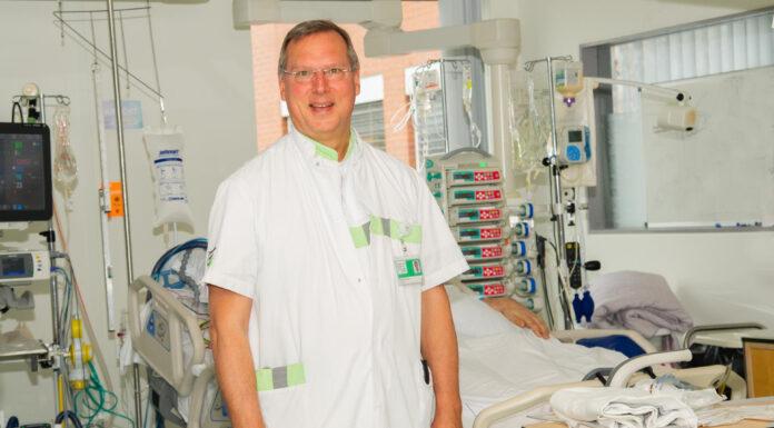 Foto: Internist-intensivist en buitengewoon hoogleraar prof.dr. Arthur van Zanten op de Intensive Care van Ziekenhuis Gelderse Vallei. (foto: ZGV, Ernst-Jan Brouwer).